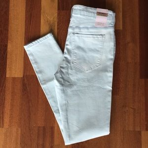 NWT F21 Sunset Light Wash Jeans, Size 25